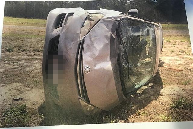 事故後の車の写真